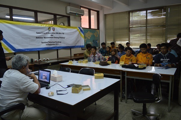 "Suasana seminar ""Catastrophy Traces in Archaelogical Sites"" yang dilaksanakan di Laboratorium Stratigrafi, Ged. Prodi Teknik Geologi ITB"