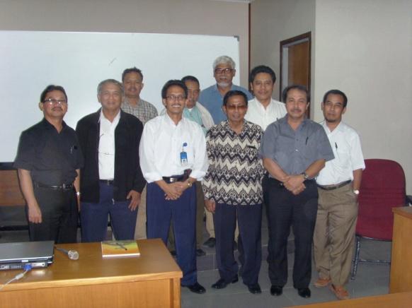 Pertemuan anggota IAGI 6 Desember 2007 untuk membentuk organisasi yang menangani geowisata (MAPEGI sekarang menjadi MAGI) terpilih sebagai ketua Yunus Kusumahbrata